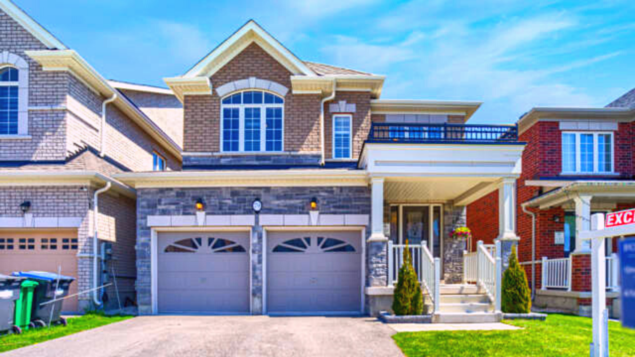 79 Blackberry Valley Cres Caledon Home For Sale - 4 Bed, 3 Bath Luxury Home For Sale in Caledon, ON