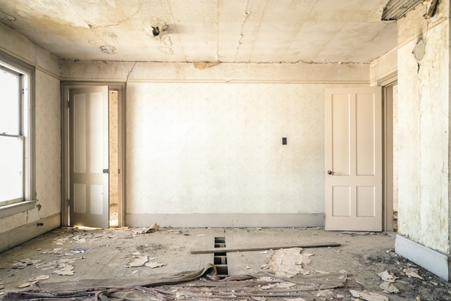 Should I Buy a Fixer-Upper Home?